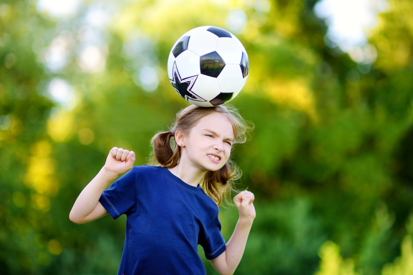 Soccer Heading Not Collisions >> Soccer Headers Really Are Bad For Girls Brains Kidzu